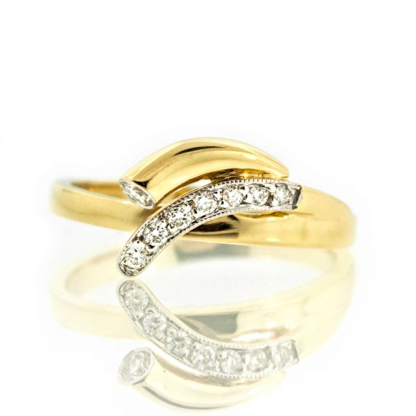 Diamond gold ring 0O001A2319_01