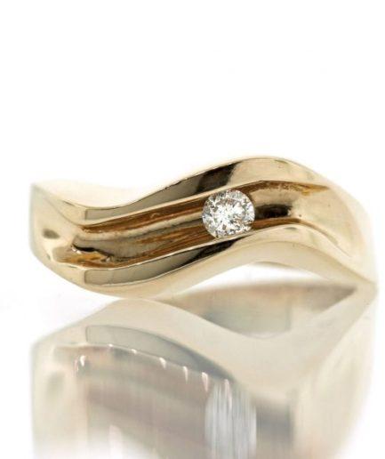 Diamond gold ring 0O001A5384_01