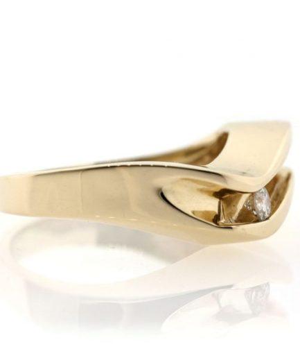 Diamond gold ring 0O001A5384_02