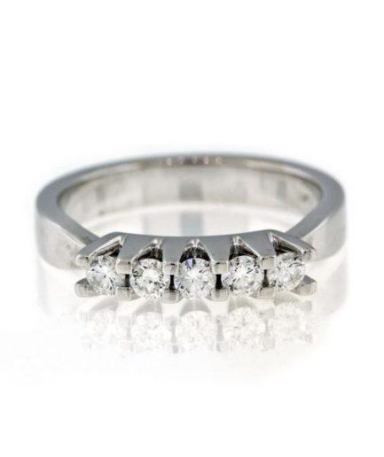 Diamond gold ring 8O001A4794_02