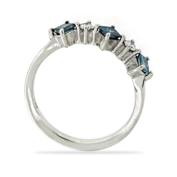 Diamond gold ring GO001A10629_03