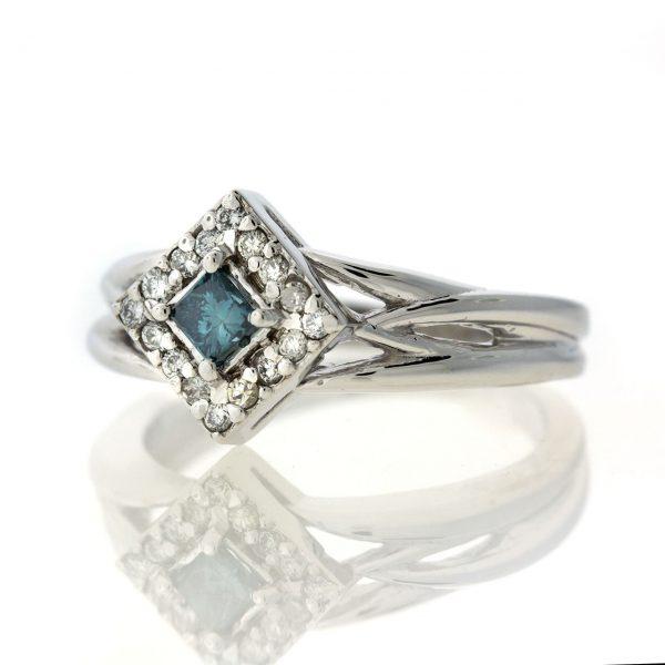 Diamond gold ring GO001A6889_01