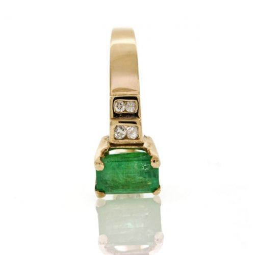 Emerald gold ring 0O001A6934_01
