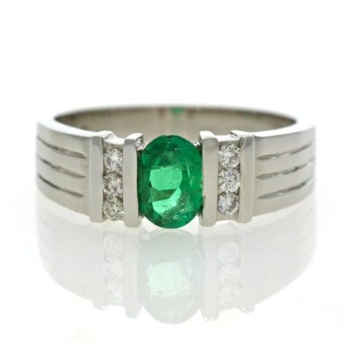 Emerald gold ring 0O001A8804_02