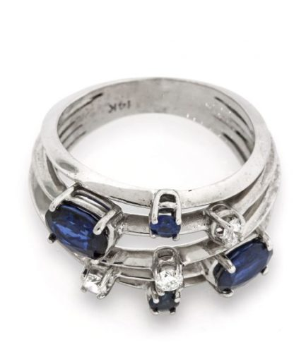 Sapphire gold ring LO001A6139_02