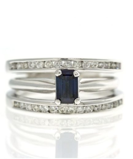 Sapphire gold ring UO001A11984_02