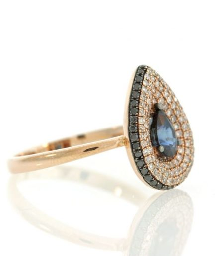 Sapphire gold ring UO001A4649_02